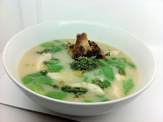 Chicken soup (with chicken crackling)