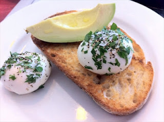 Best things I ate in Sydney – Porch and Parlour smashed eggs and avocado