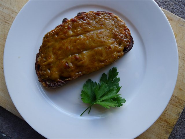 how to make welsh rarebit on toast
